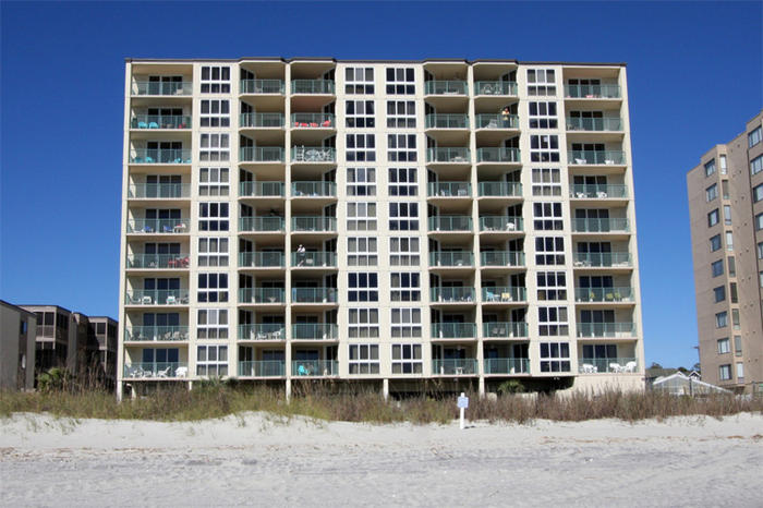 Pinnacle Condos Oceanfront Family