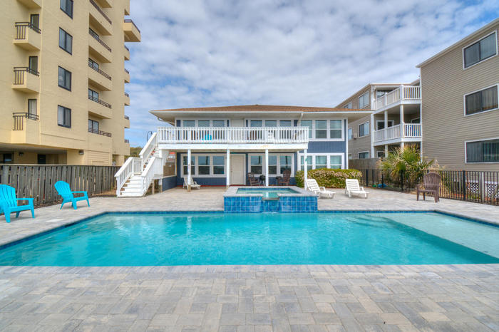 Click here to replace main photo (http://www.northmyrtlebeachtravel.com/propimages/rentals/lilyp_ext-l.jpg)